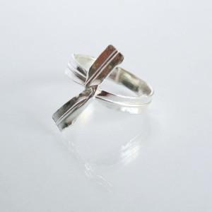 E for Effort – Twist Tie Ring – Silver